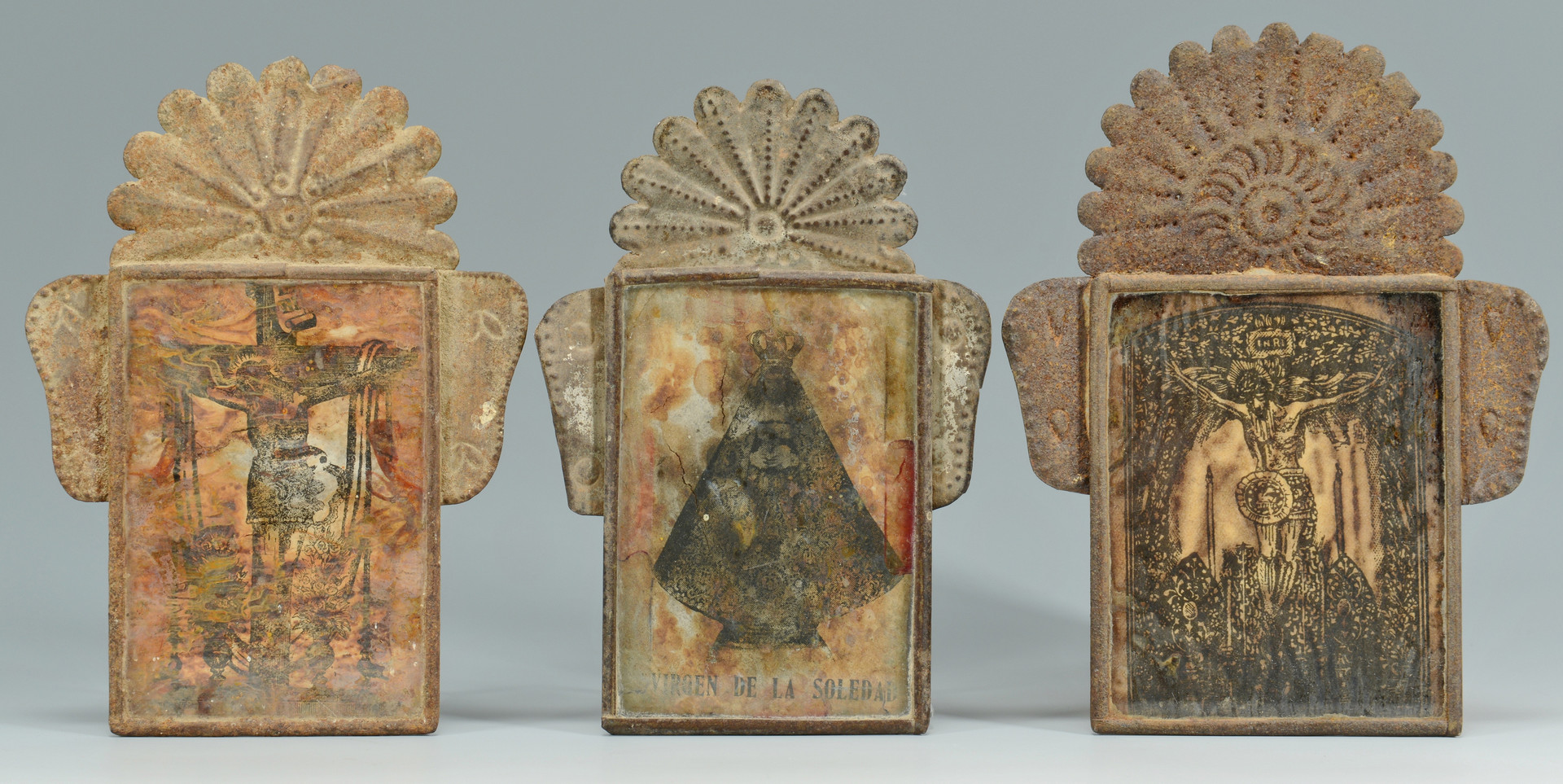 Lot 706: 5 Spanish Colonial Decorative Items