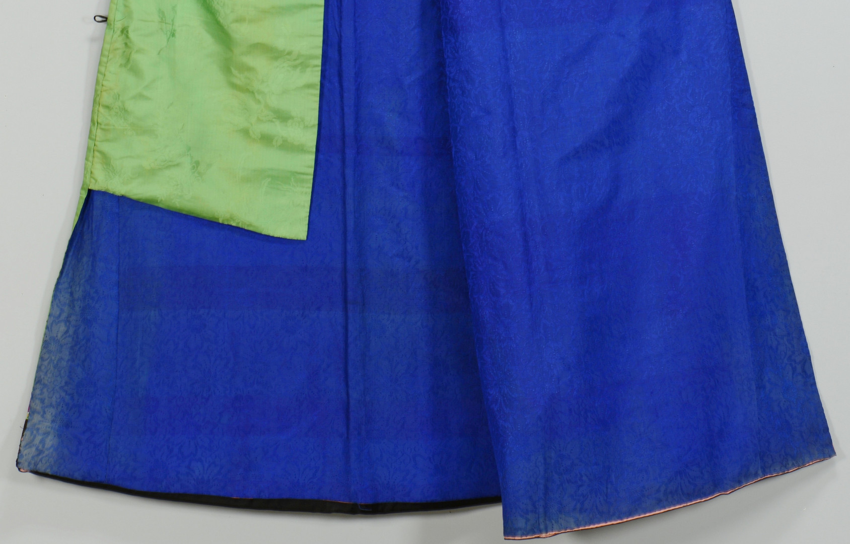 Lot 813: Chinese Green & Purple Silk Robe