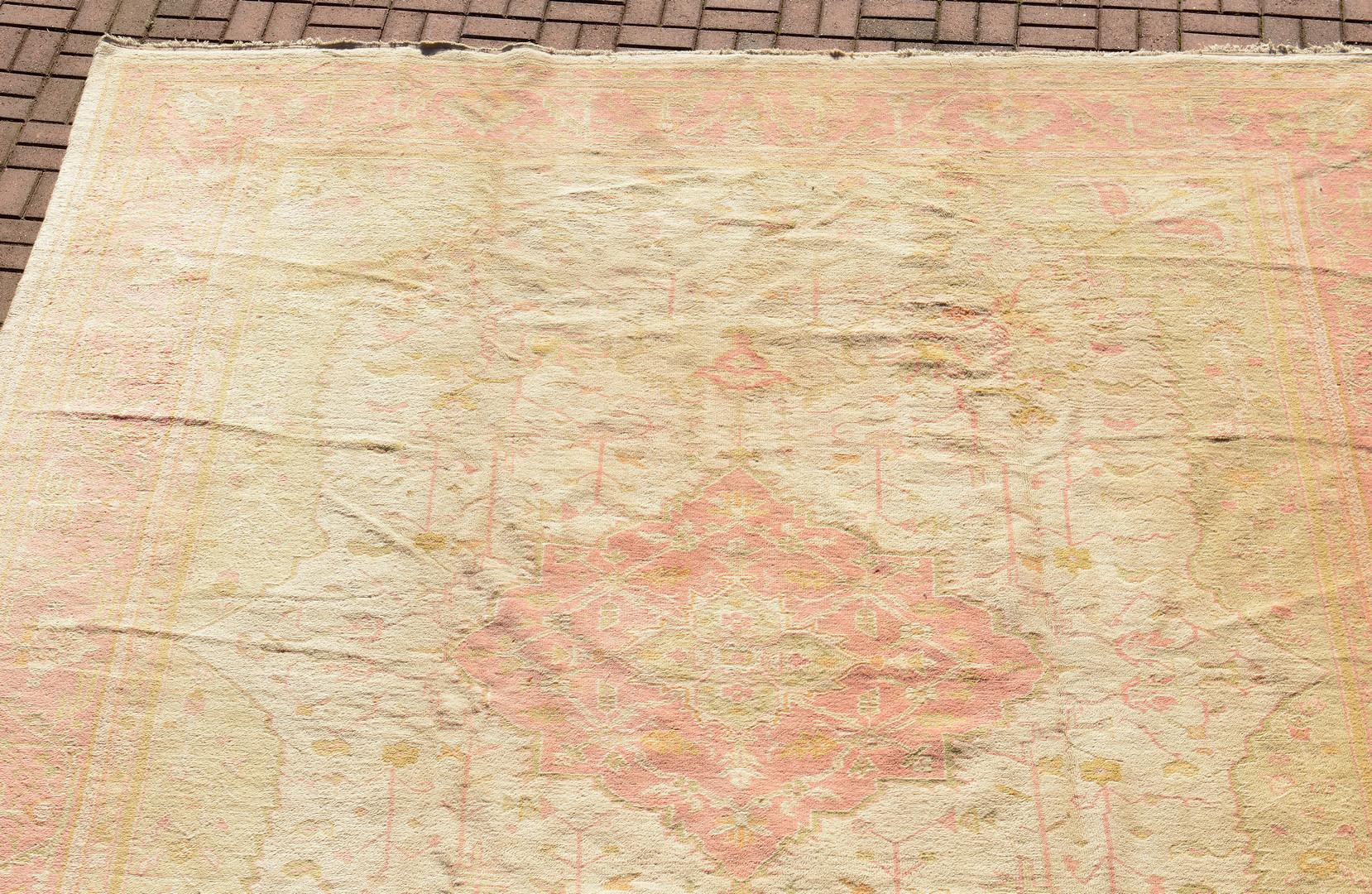 Lot 819: 11 x 15 Oushak Persian Rug