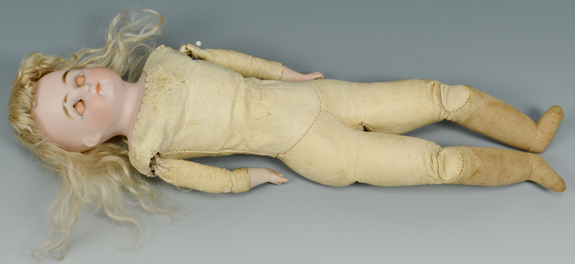 Lot 906: Grouping of Kestner & Byelo Doll Items