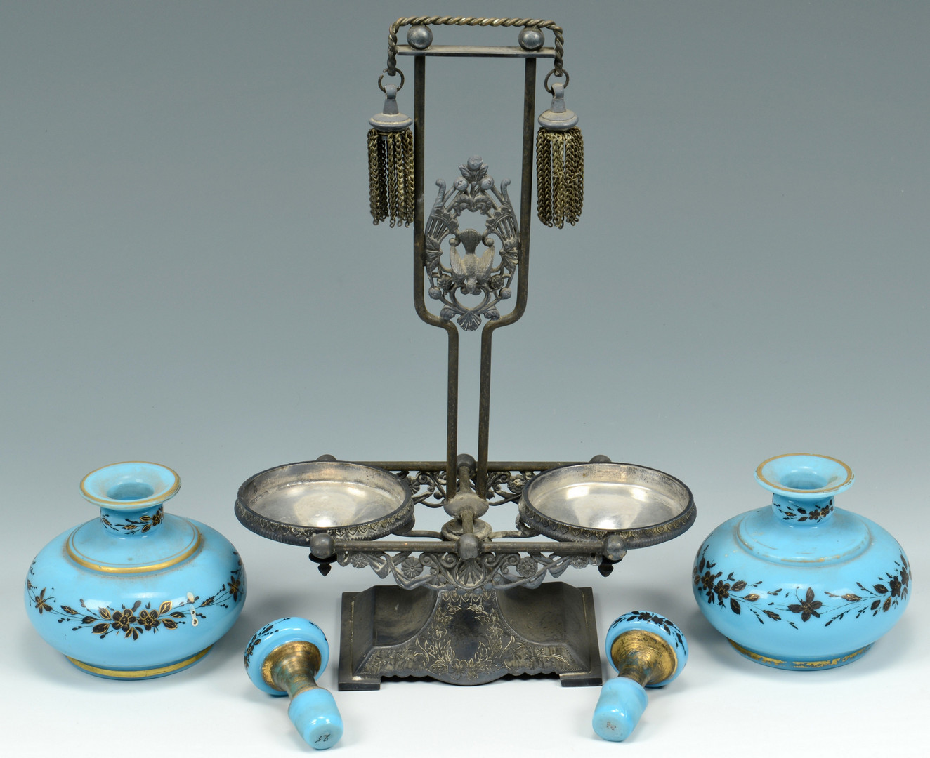 Lot 924: 3 Victorian Decorative Items