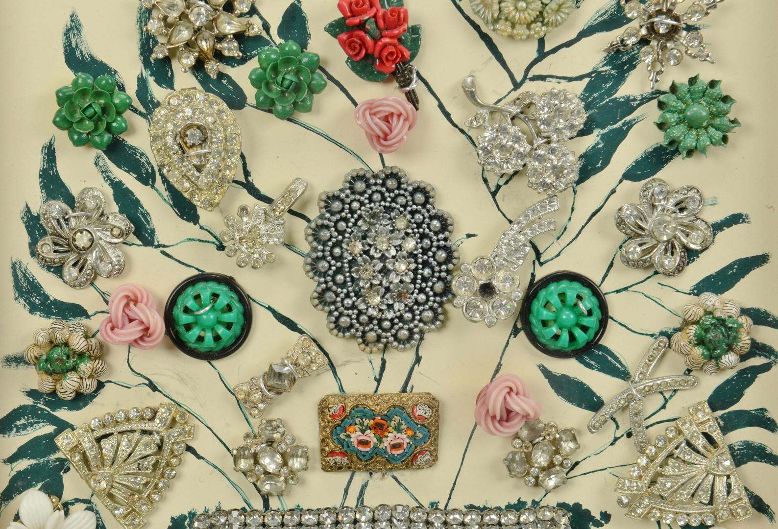 Lot 926: Vintage Purses, Fan, Jewelry Picture – 7 pcs