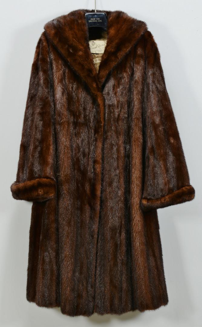 Lot 927: Ladies Mink Coat