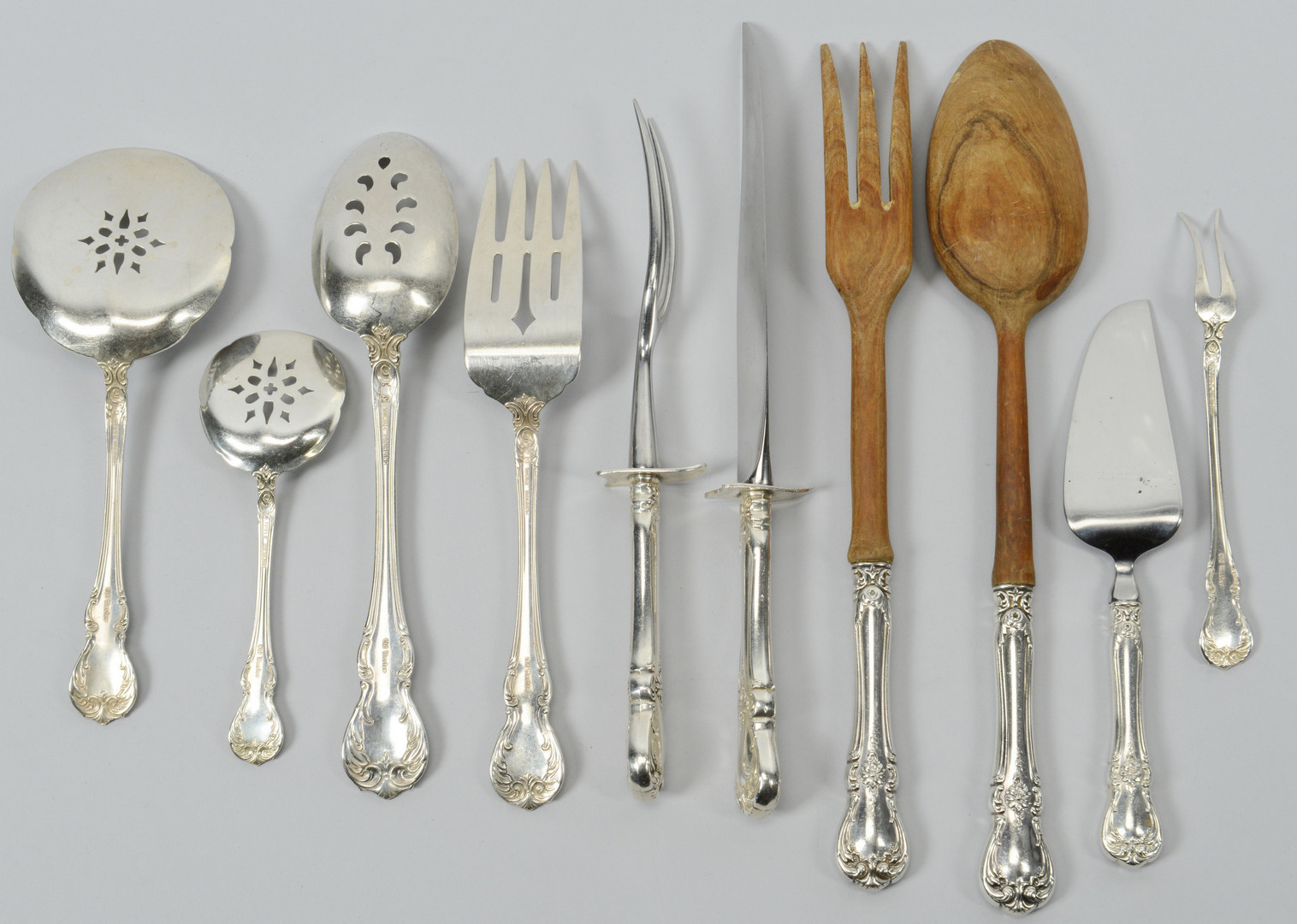 Lot 95: Towle Old Master sterling, 136 pcs.