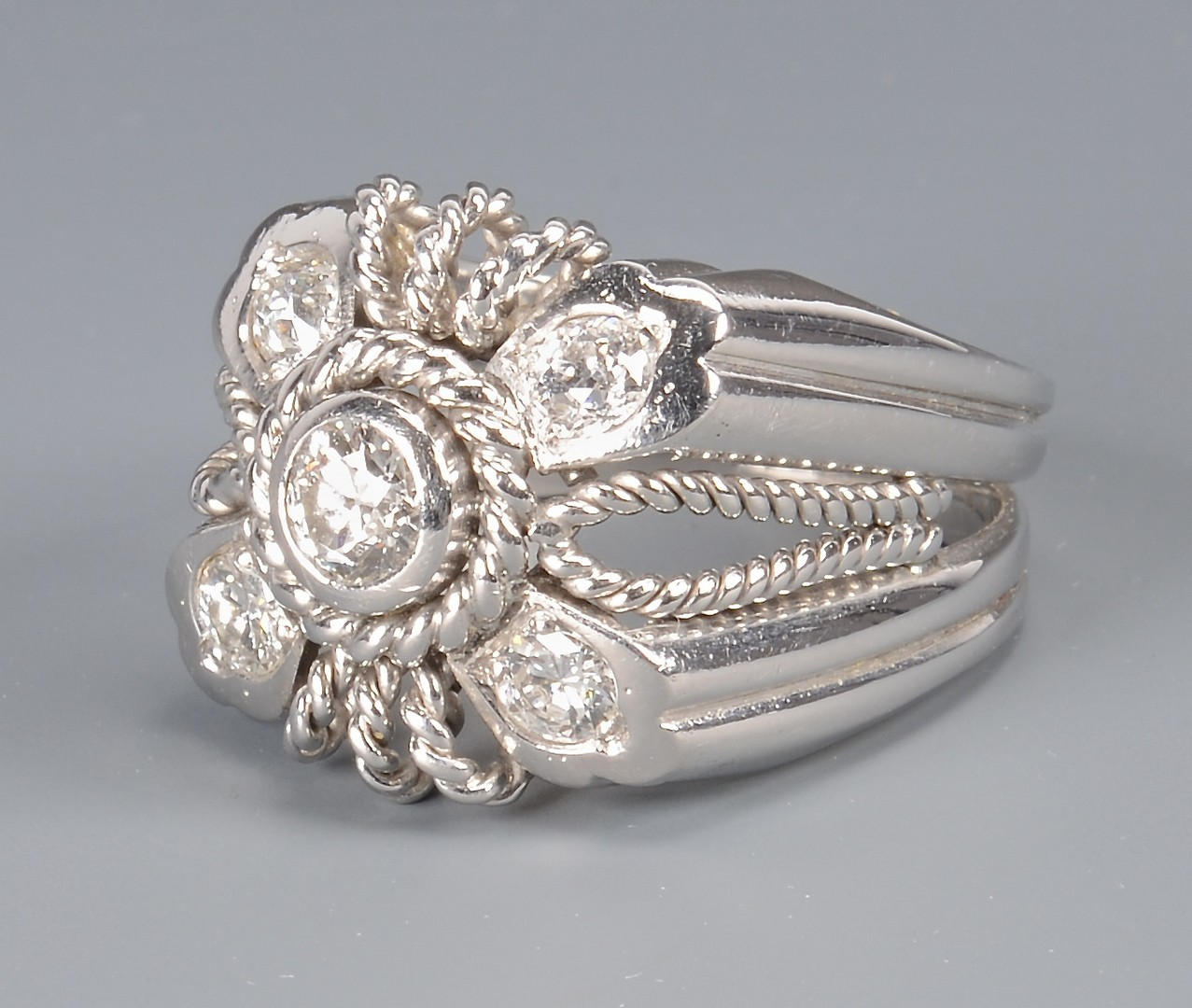 Lot 101: 14k Diamond Fashion Ring