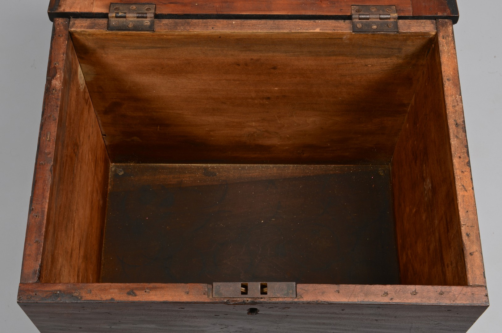 Lot 169: Middle TN Cherry Sugar Chest