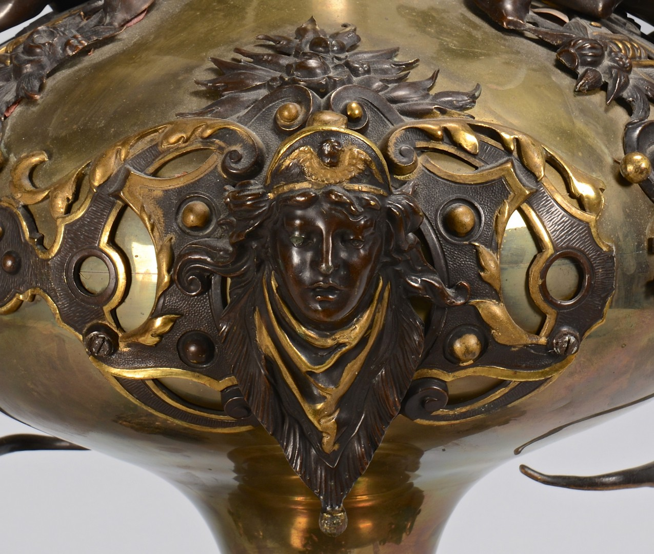 Lot 16: Bronze Dragon Vase, Aesthetic Influence