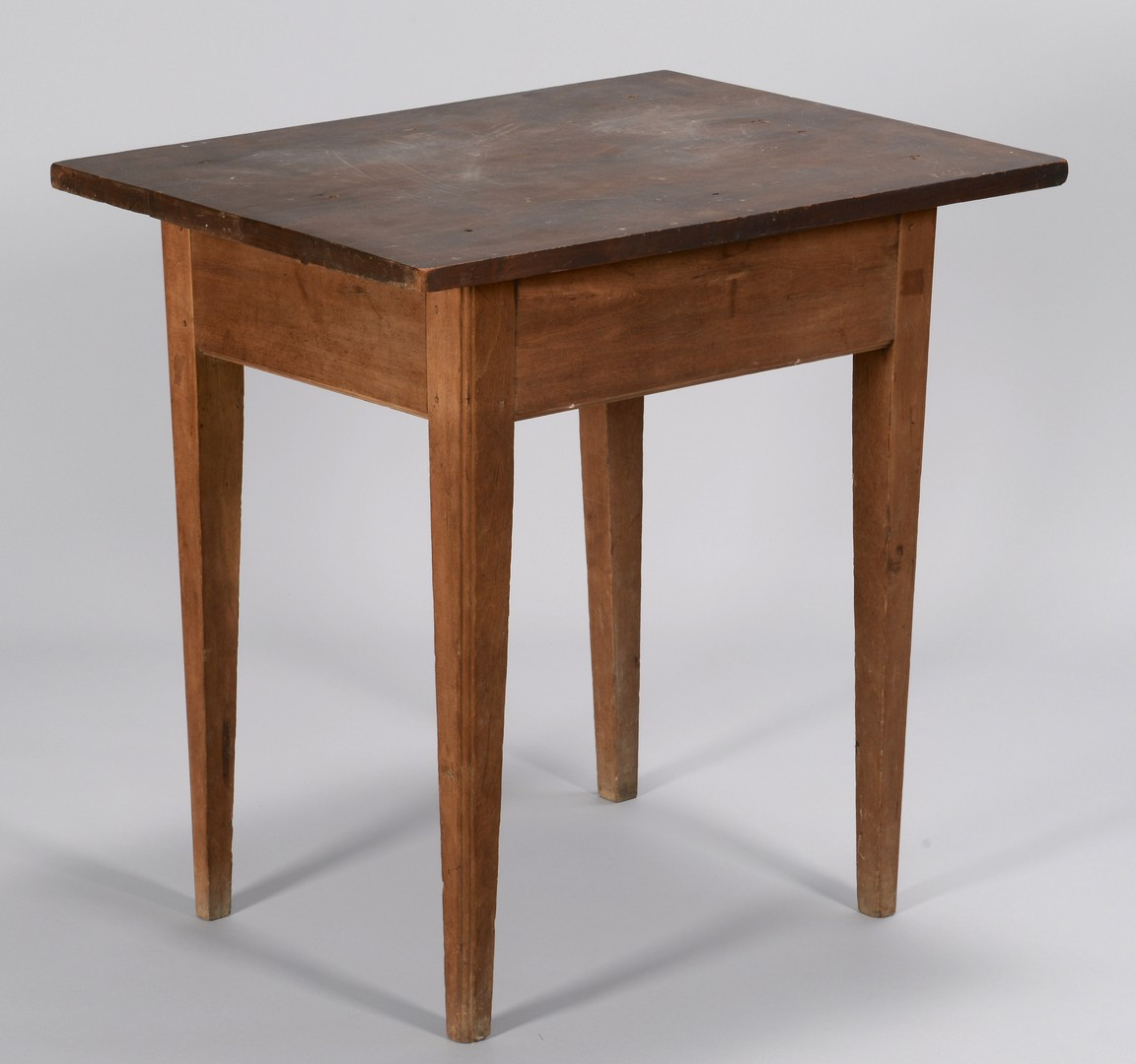 Lot 291: Tennessee Hepplewhite Cherry Table