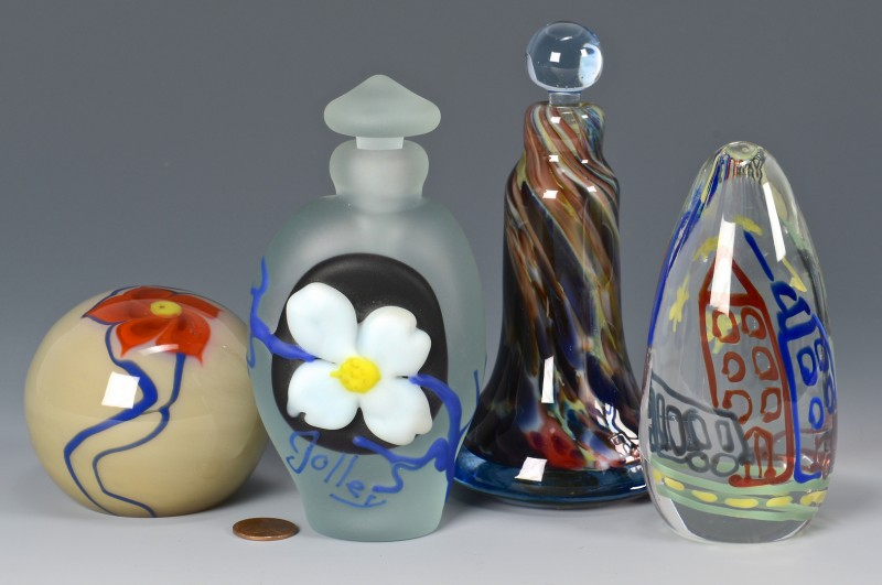 Lot 324: 4 Richard Jolley Art Glass items