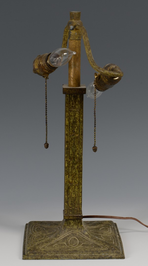 Lot 335: Arts & Crafts Table Lamp, poss. Handel