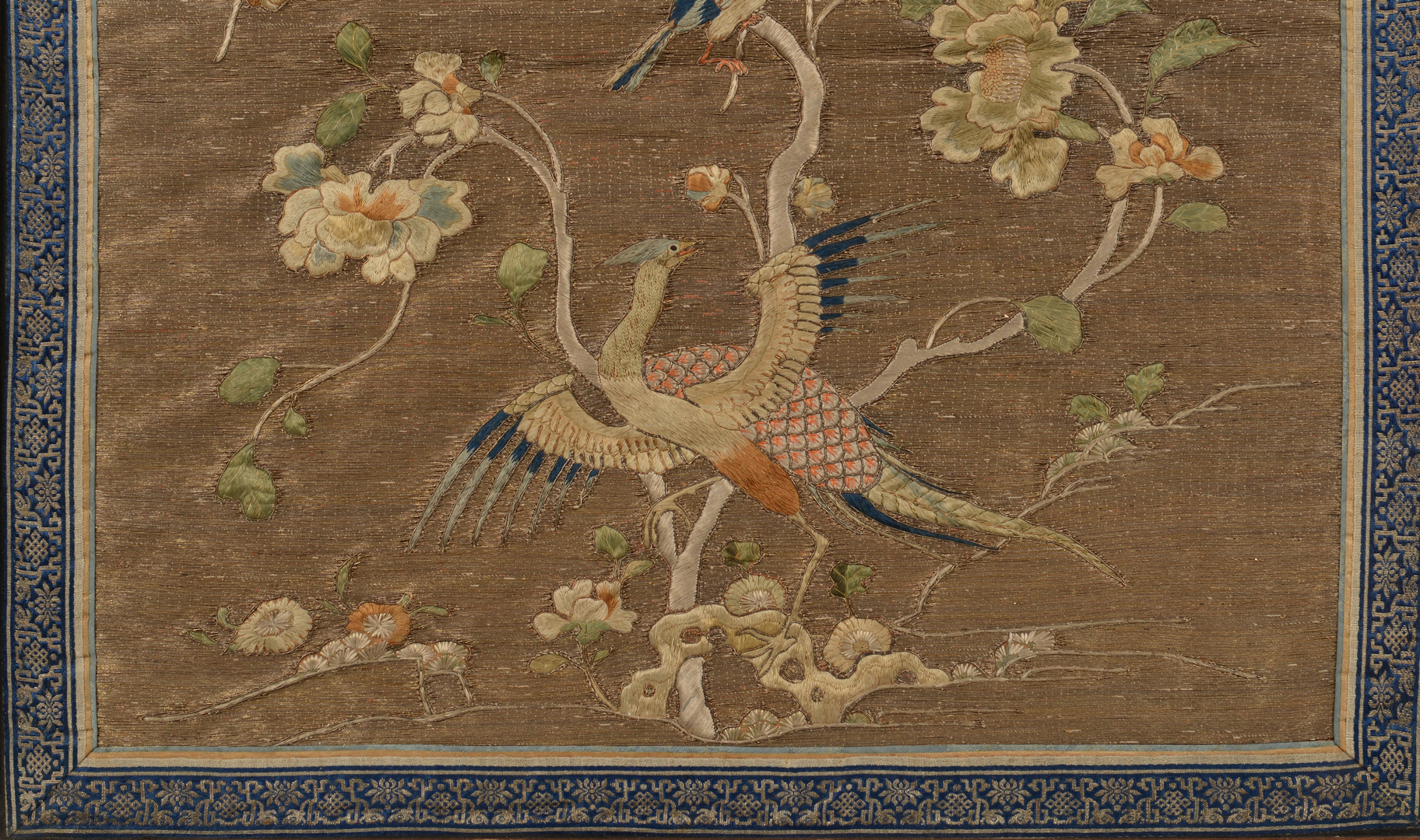Lot 33 Qing Chinese Silk Embroidery