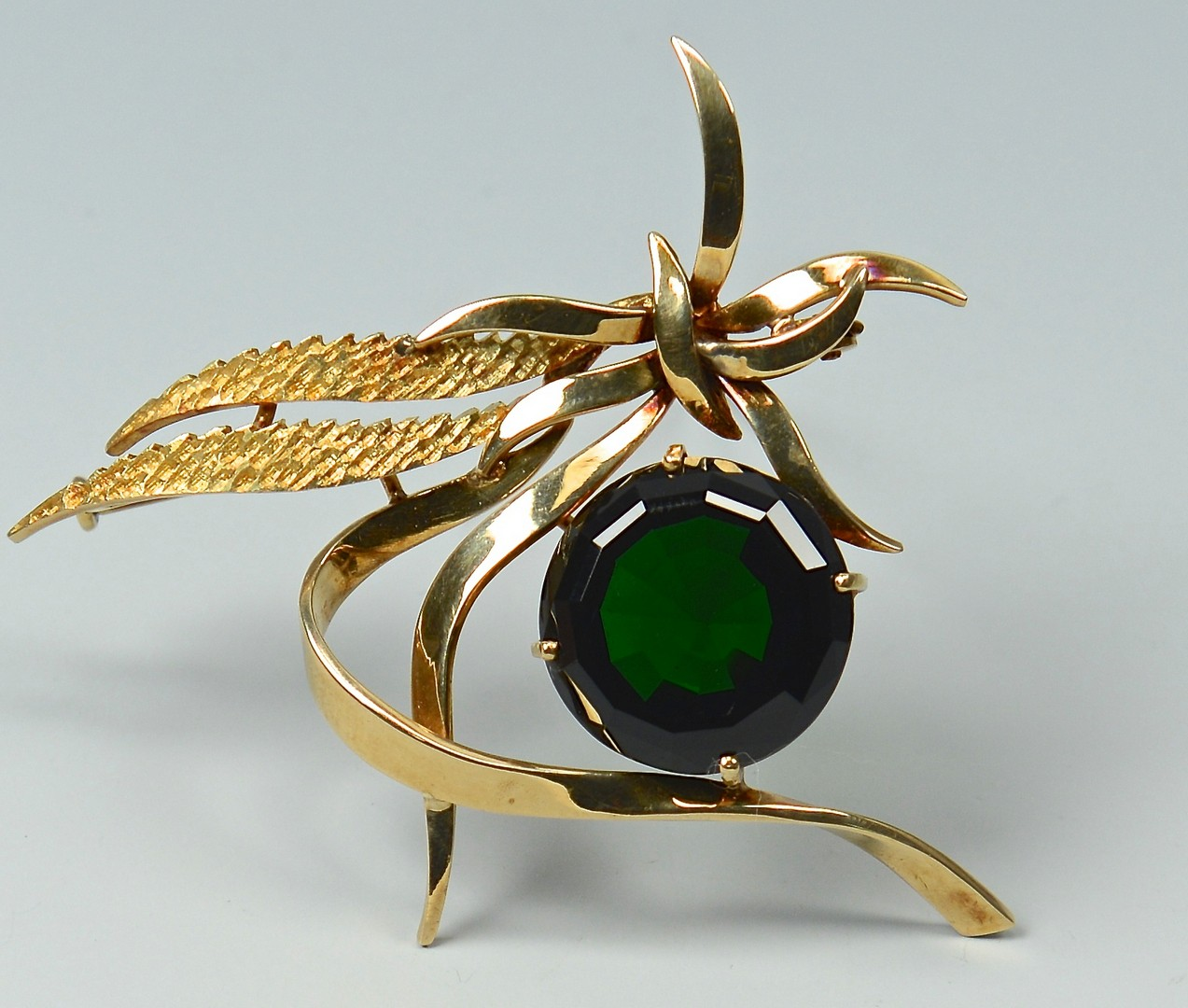 Lot 389: 18k Green Tourmaline Ribbon Pin