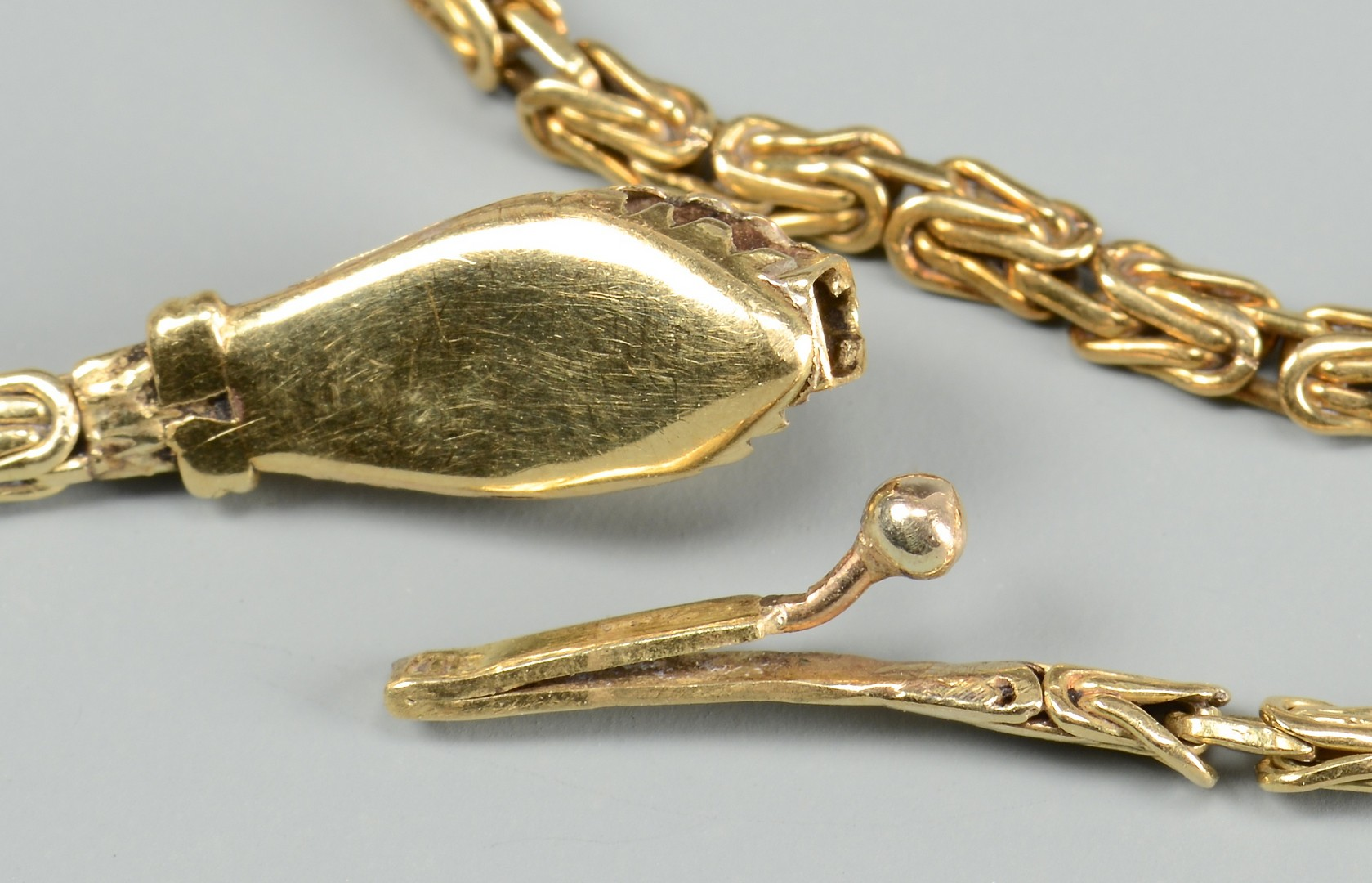 Lot 400: 2 Egyptian Style Jewelry Items, 14k
