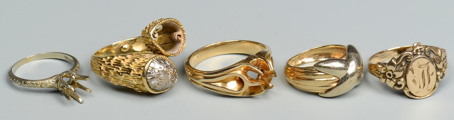 Lot 401: Group of 5 Gold Rings, 10K, 14K, 18K