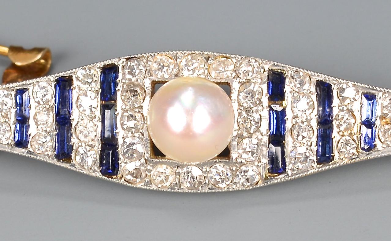 Lot 404: Art Deco plat/18k Dia/Sapphire Brooch