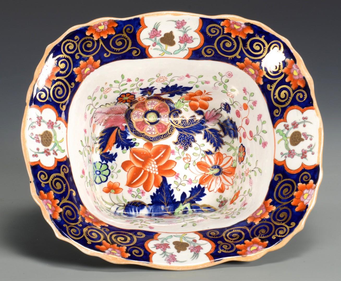 Lot 467: Mason's Ironstone, Imari pattern, 47 pcs