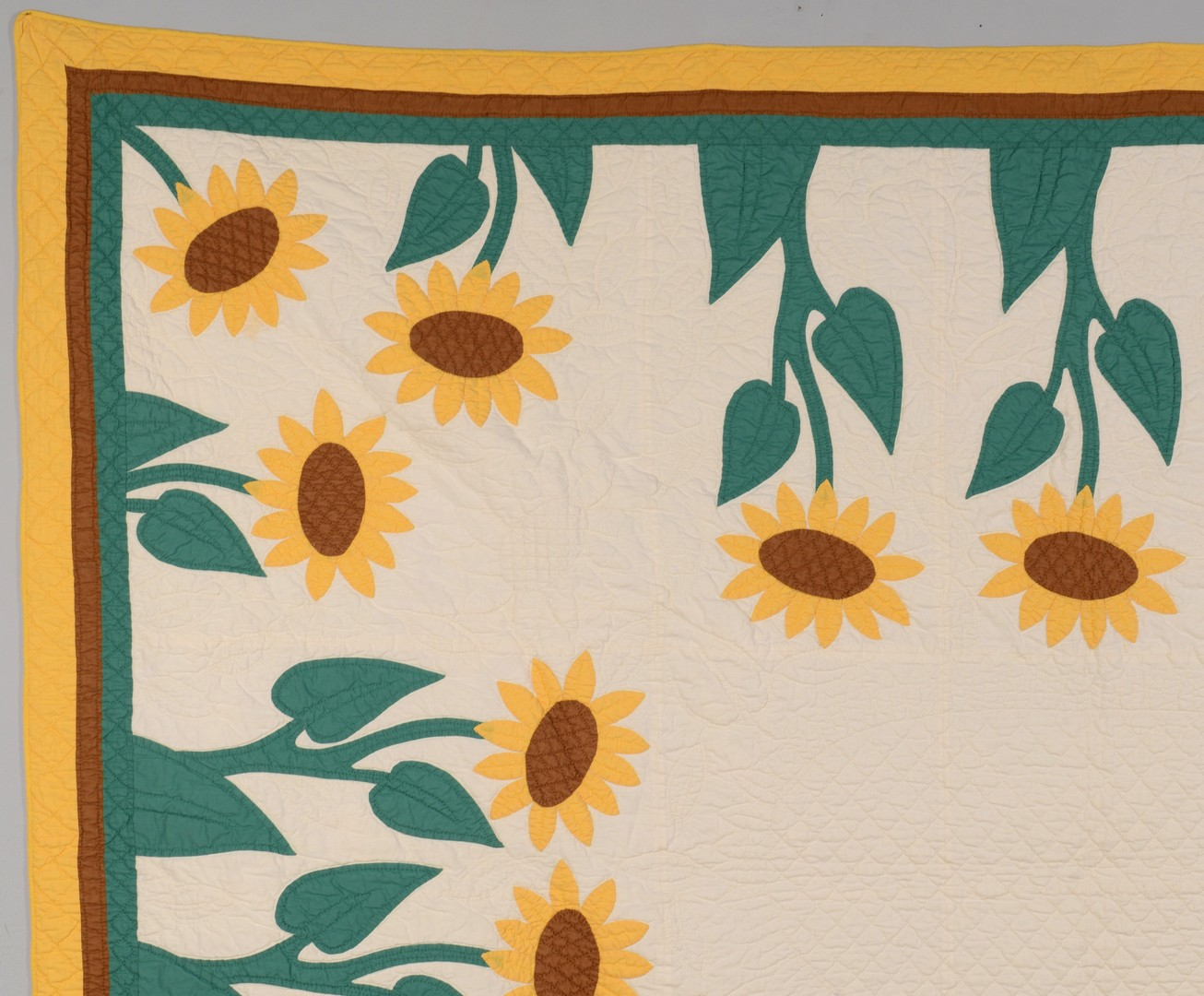 Lot 490: Cotton Applique Sunflower Quilt