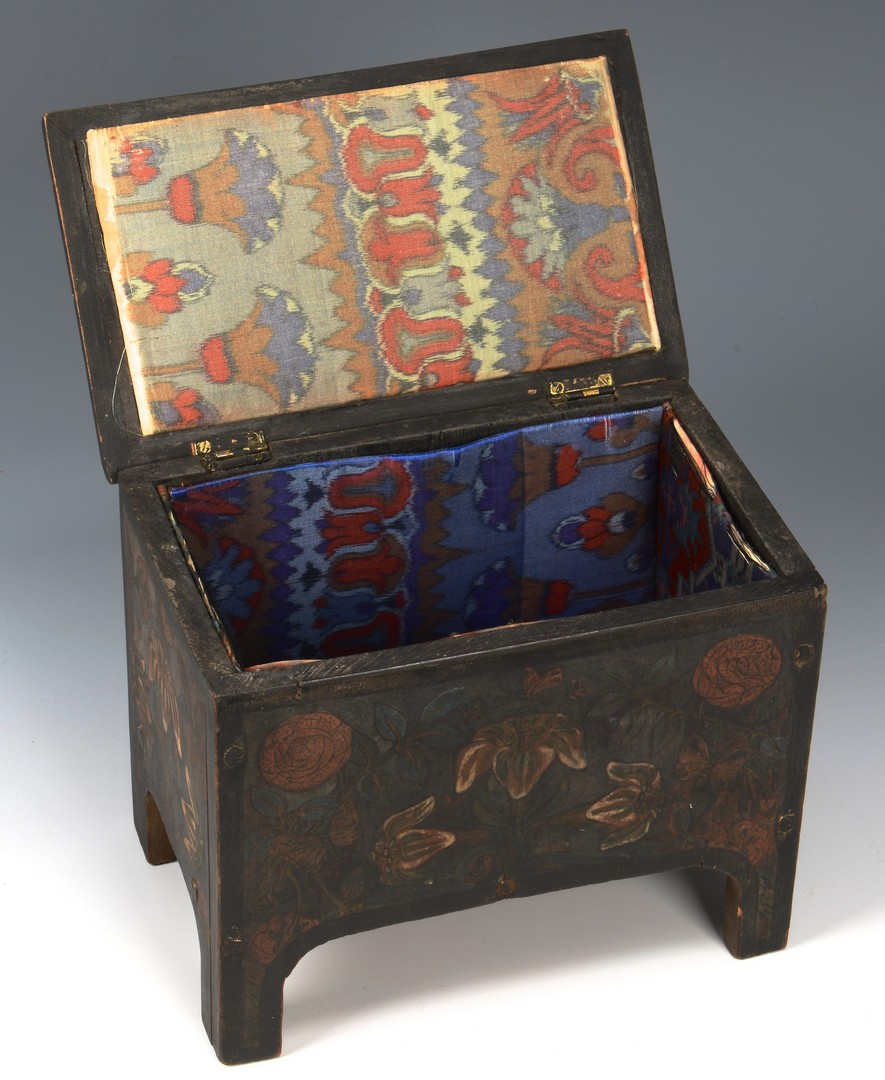 Lot 528: 2 Painted Miniature Boxes, incl. 1 Grain Painted