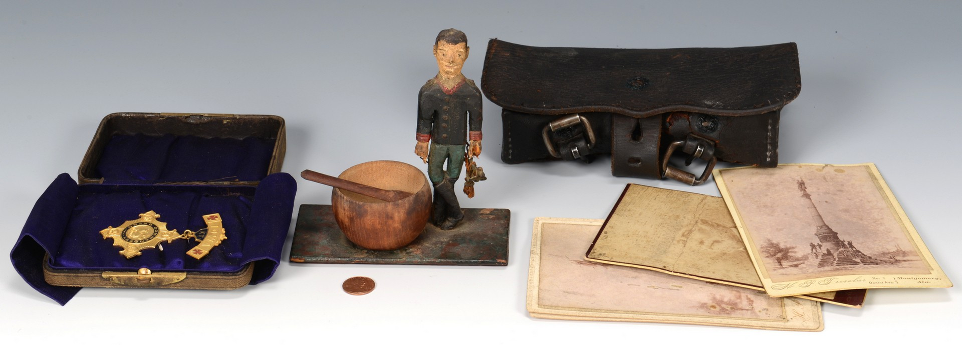 Lot 570: Grouping of Civil War related items