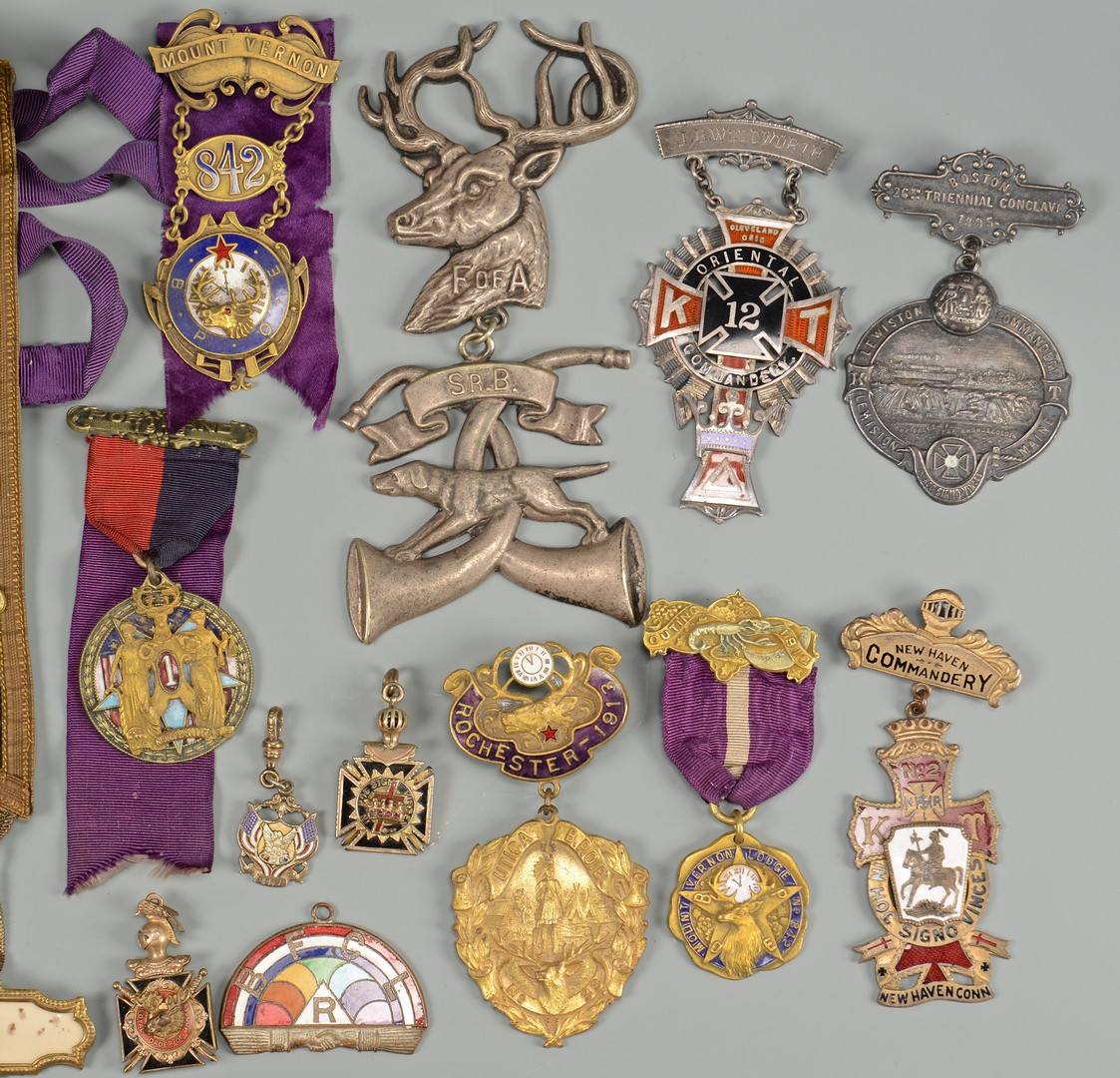 Lot 601: Collection Fraternal, Masonic Badges, 23 items