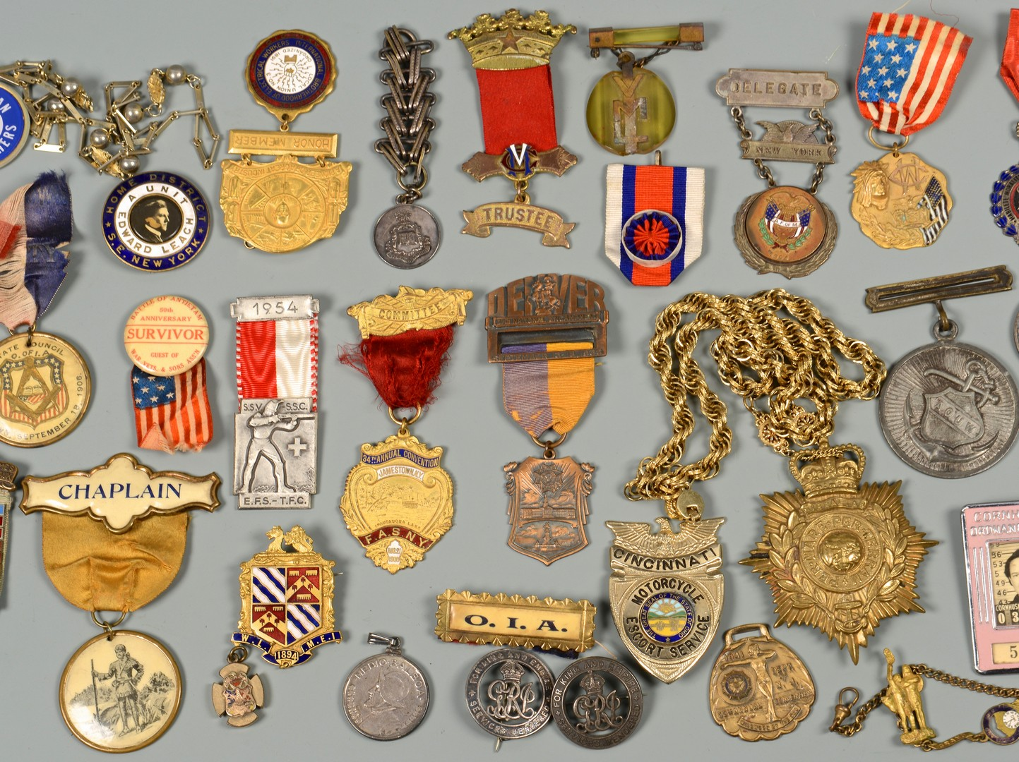 Lot 602: Collection Medals, Badges & related items, 46 items
