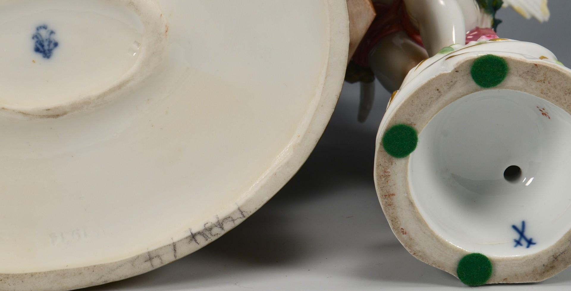 Lot 611: 2 German Porcelain Figurines, incl. Meissen