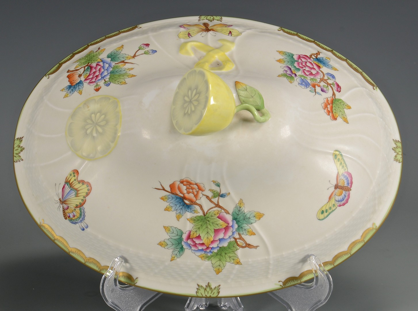 Lot 617: Herend Soup Tureen