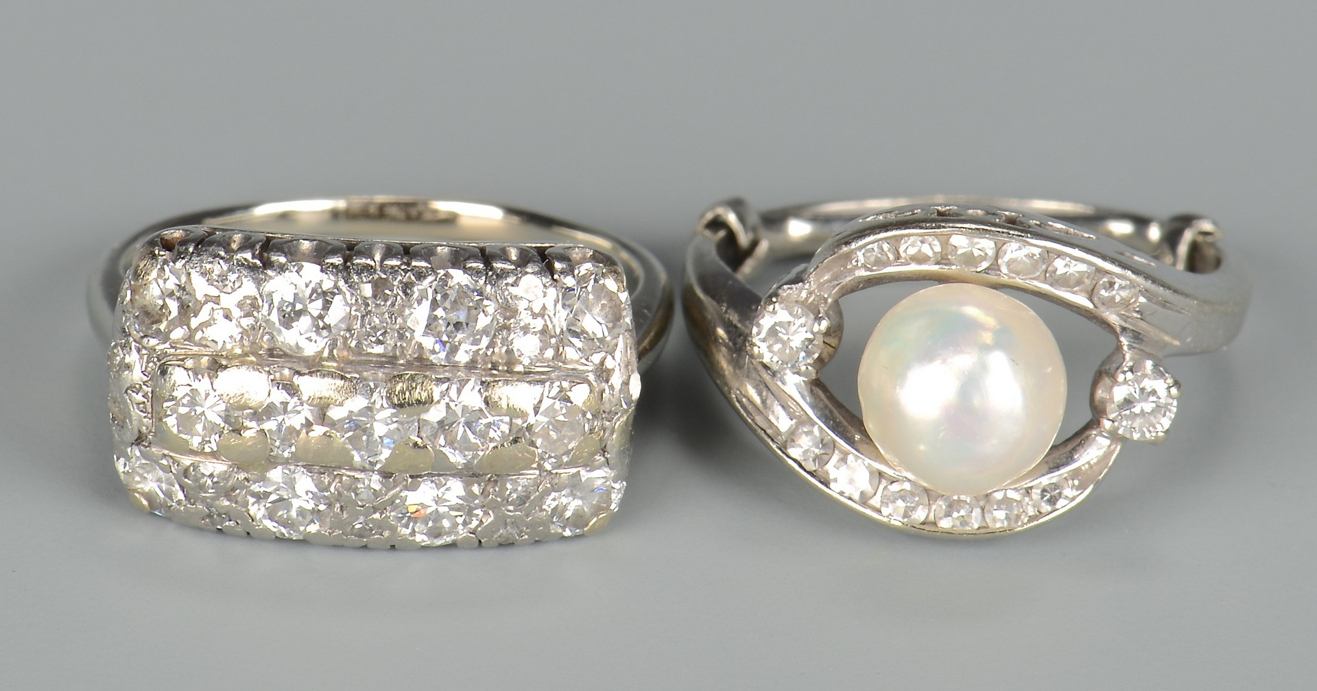 Lot 662: Two 14k Vintage Diamond Rings