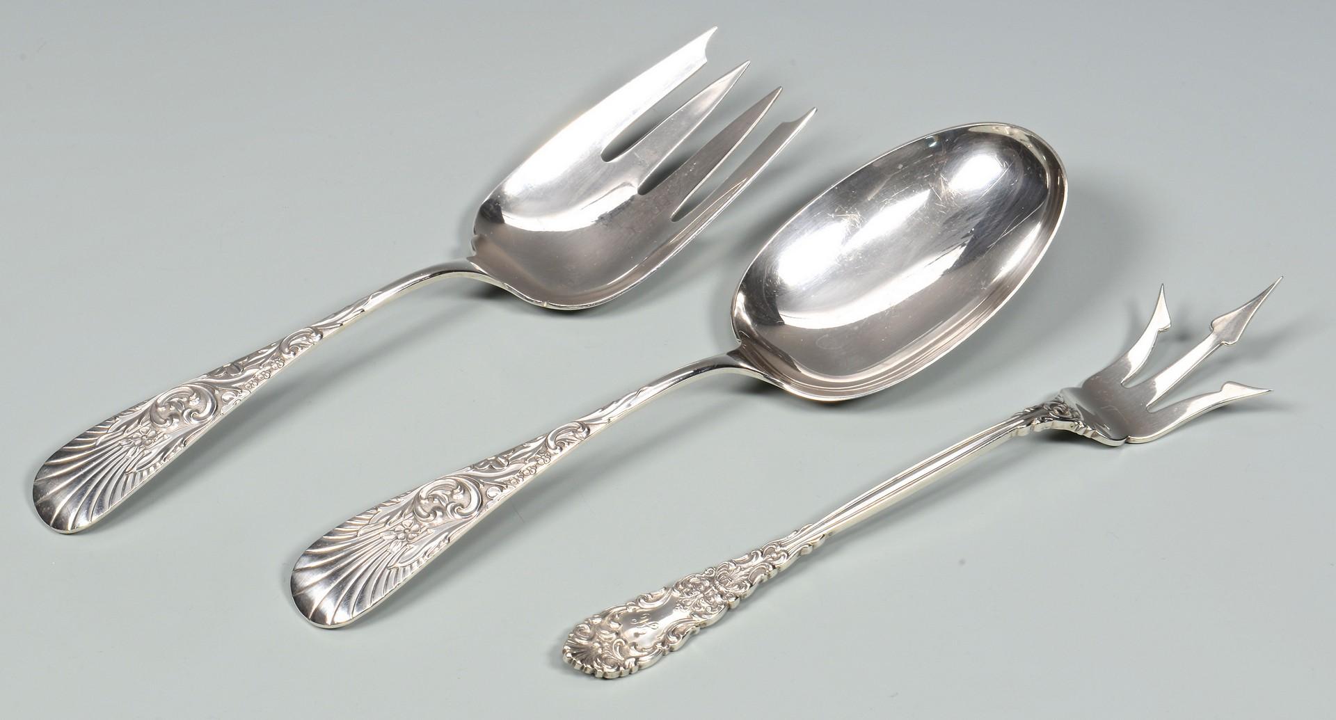 Lot 686: Assorted Sterling flatware 40 pcs