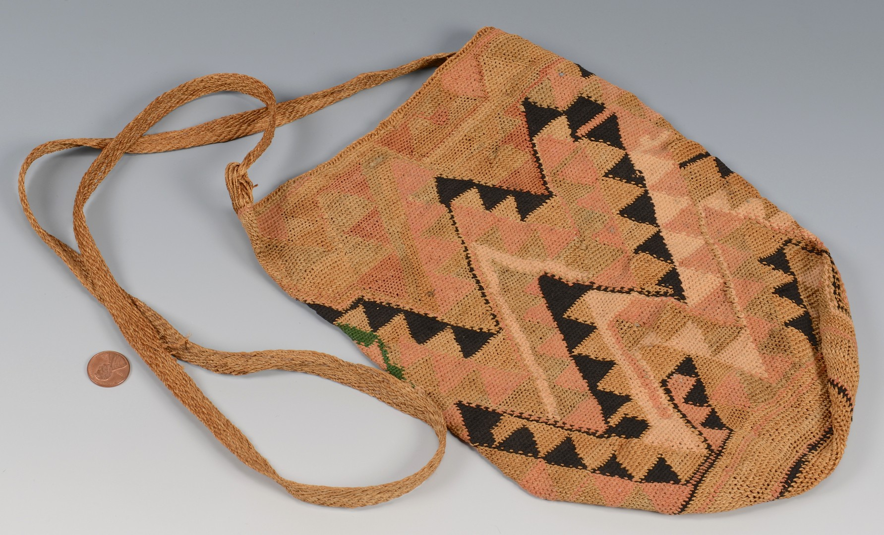 Lot 774: 3 Santa Domingo Items & Nez Perce Cornhusk Bag