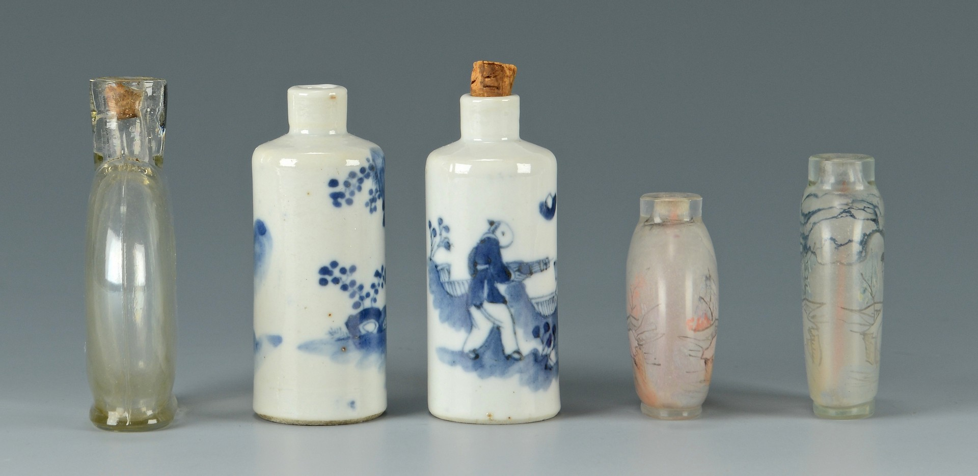 Lot 783: 4 Chinese Snuff Bottles + 1 other