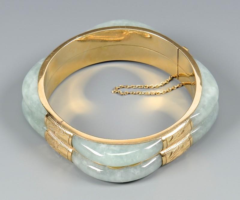Lot 3832375: 14K Jade Double Bangle Bracelet