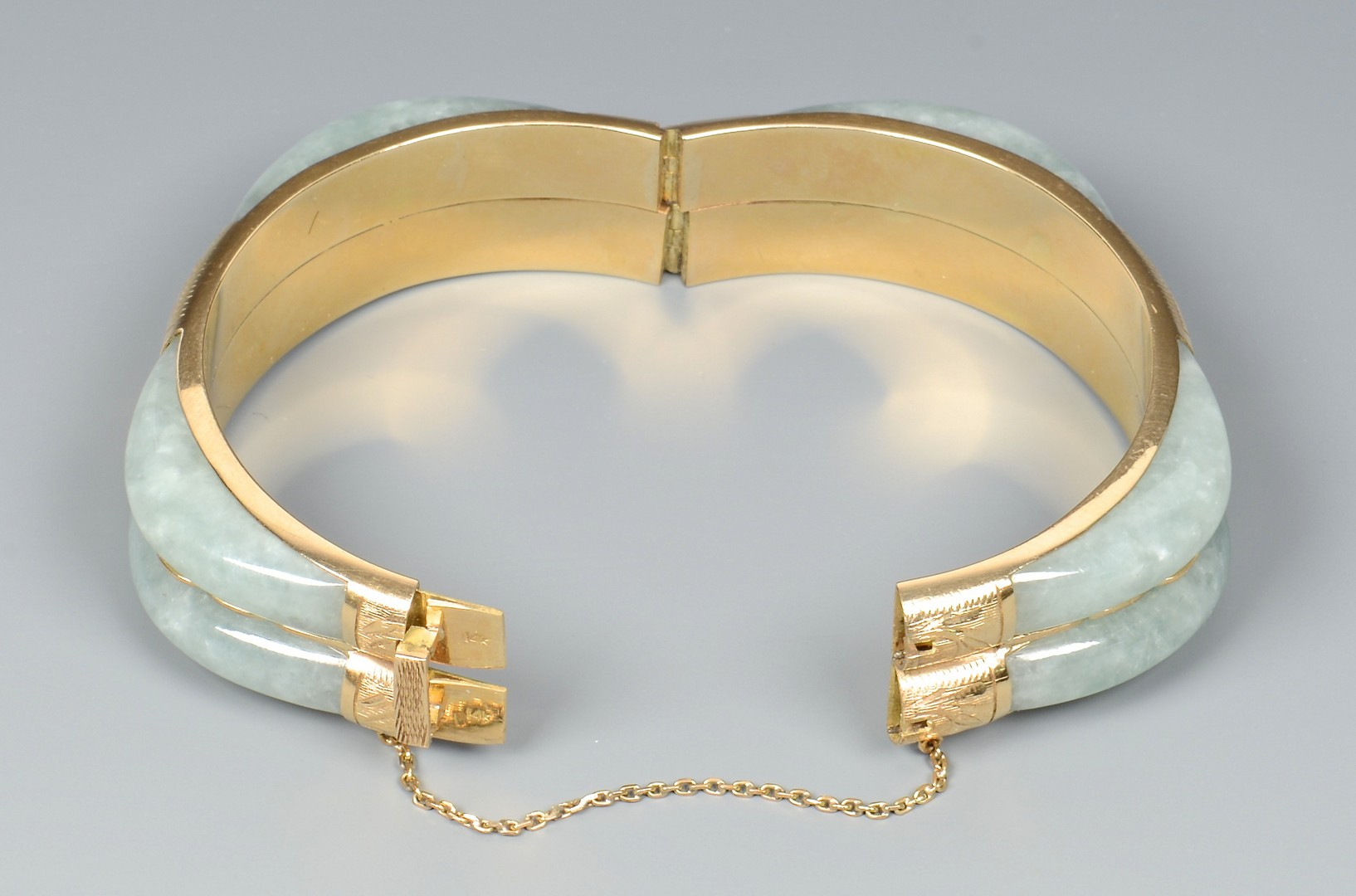 Lot 3832375: 14K Jade Double Bangle Bracelet