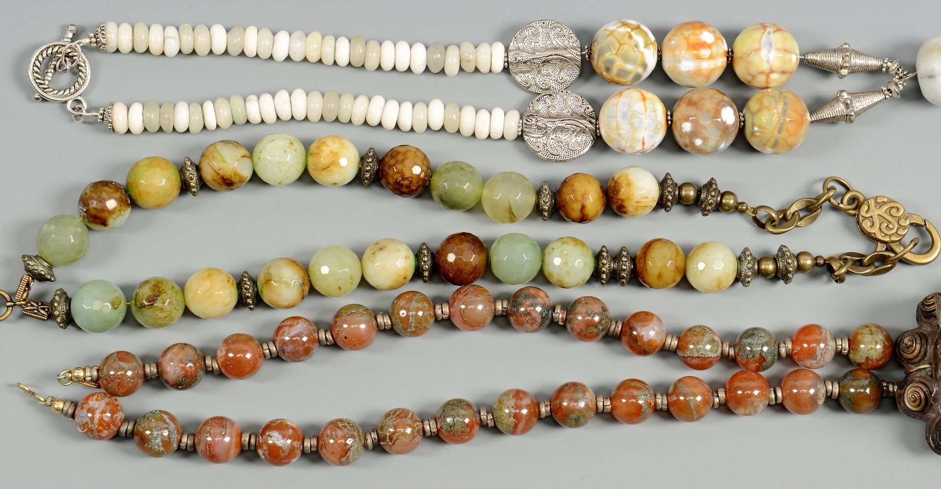 Lot 3832378: 3 Chinese Archaic Style Necklaces