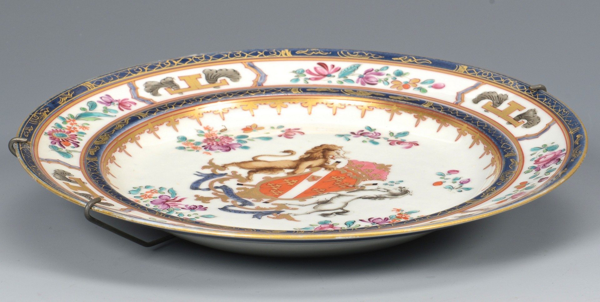 Lot 3832384: Large Japanese Imari Charger & Armorial Plate