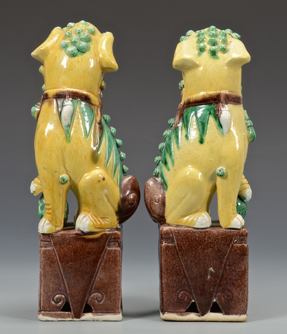 Lot 3832423: Grouping of Chinese Porcelain, incl Foo Dogs