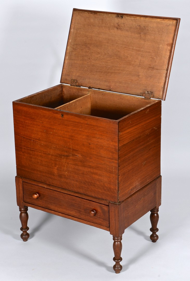 Lot 119: Middle TN, Cheatham County Sugar Chest