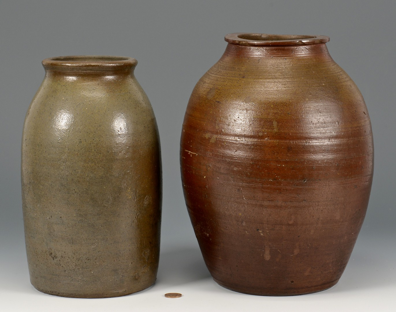 Lot 152: Early Middle TN Ovoid Jar & Other, 2 Total