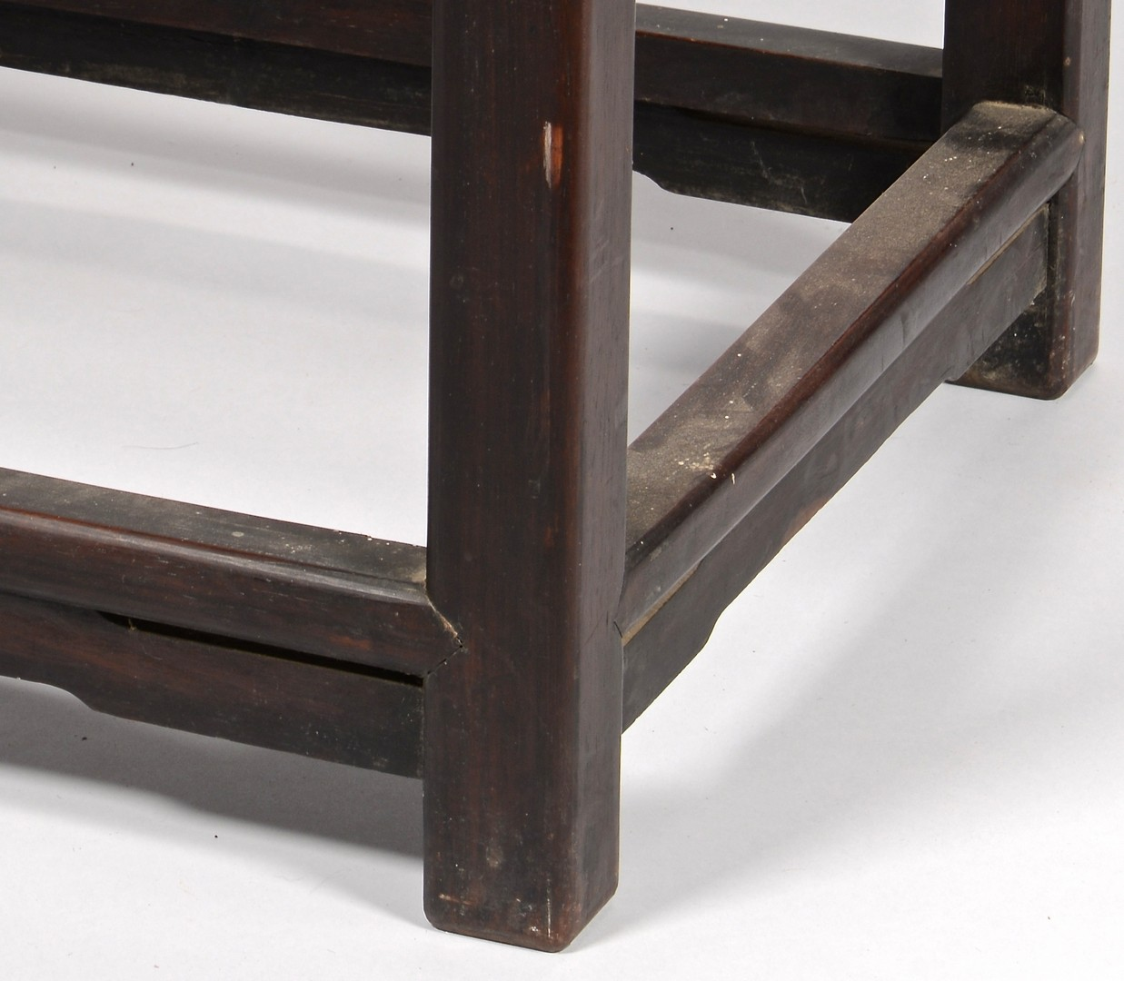 Lot 30: Chinese Throne Chair, early 20th century