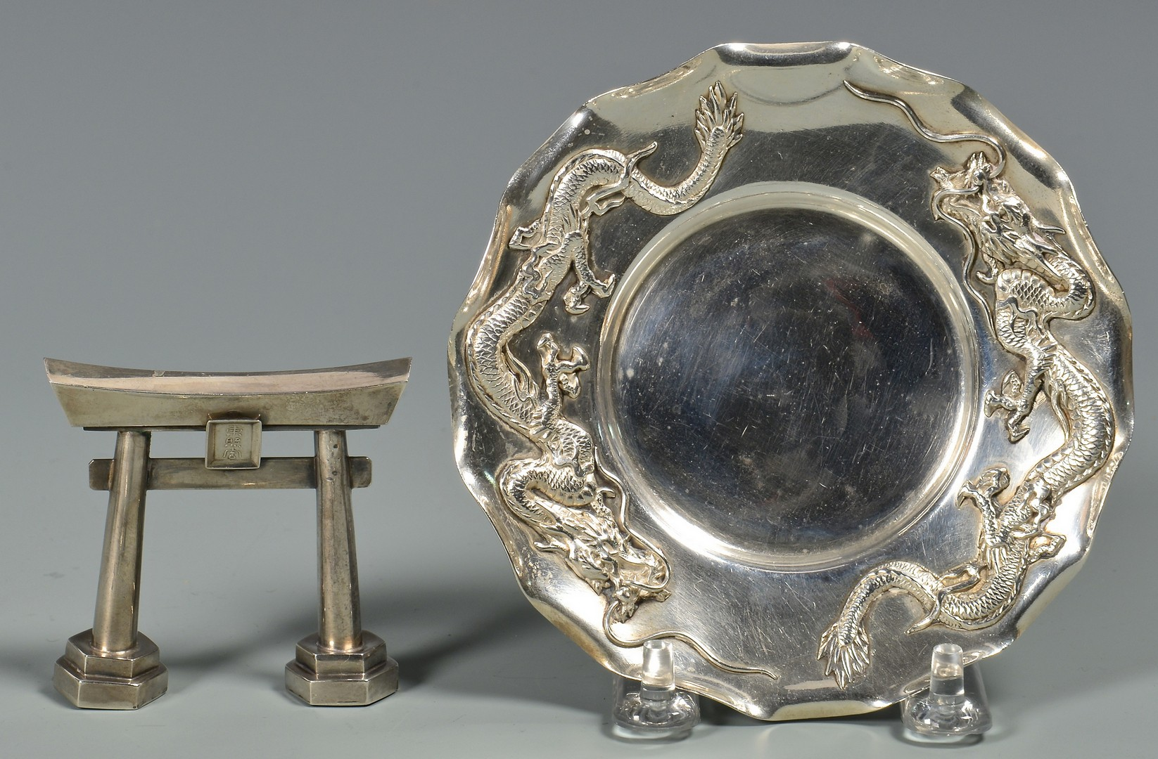 Lot 31: Asian silver smalls inc. Torii gate, spoons