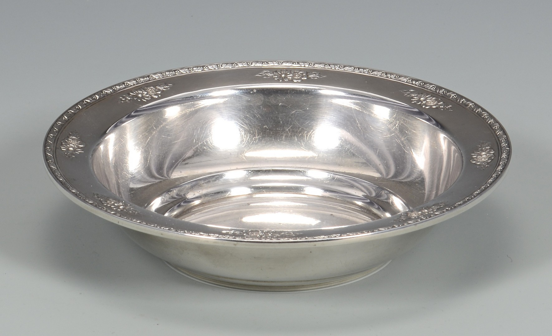 Lot 336: 5 pc. Sterling inc. Bowls, sauceboat
