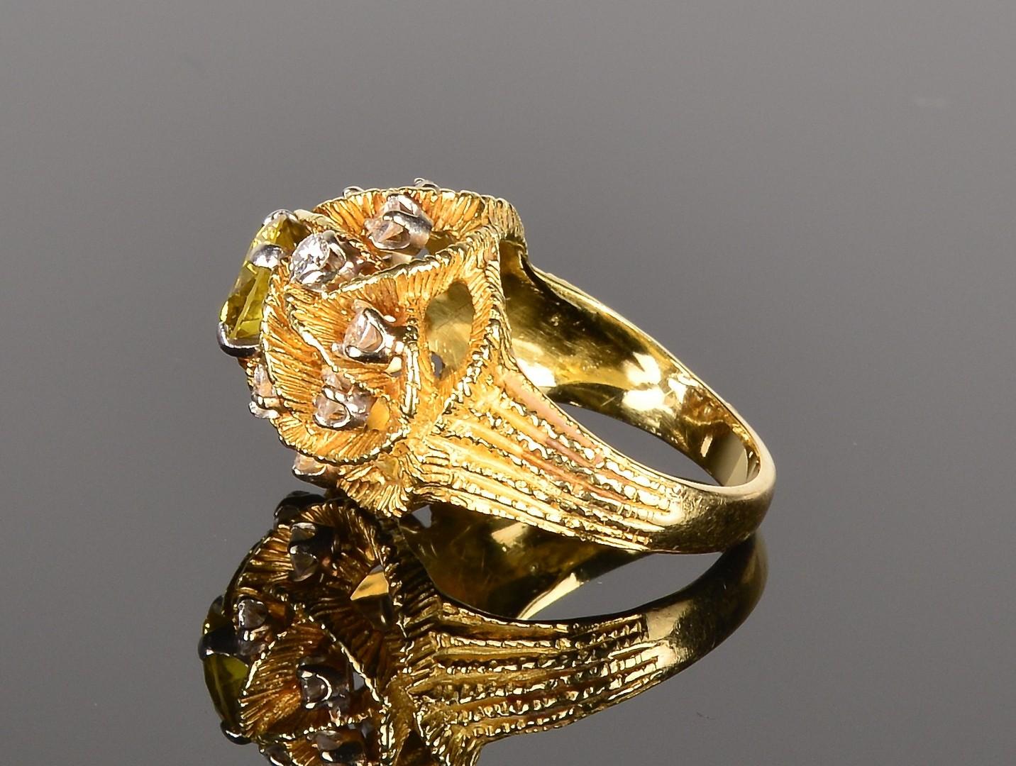 Lot 343: 1.36 ct Fancy Yellow Green Diamond Ring