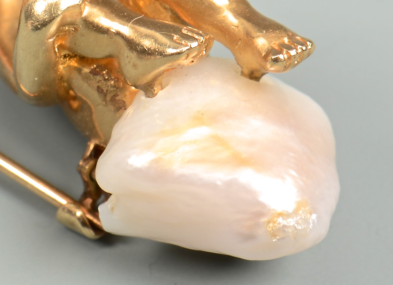 Lot 346: Ruser 14K yellow gold cherub pin with pearl