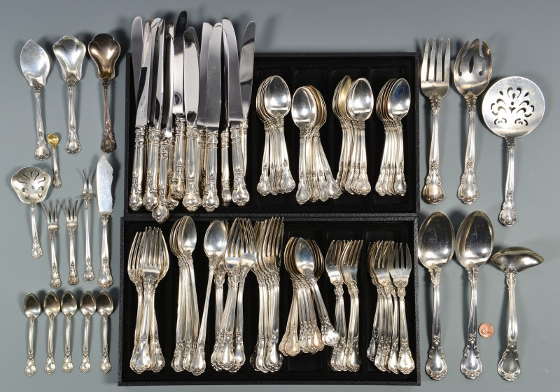 Lot 42: 134 pc Gorham Chantilly Flatware