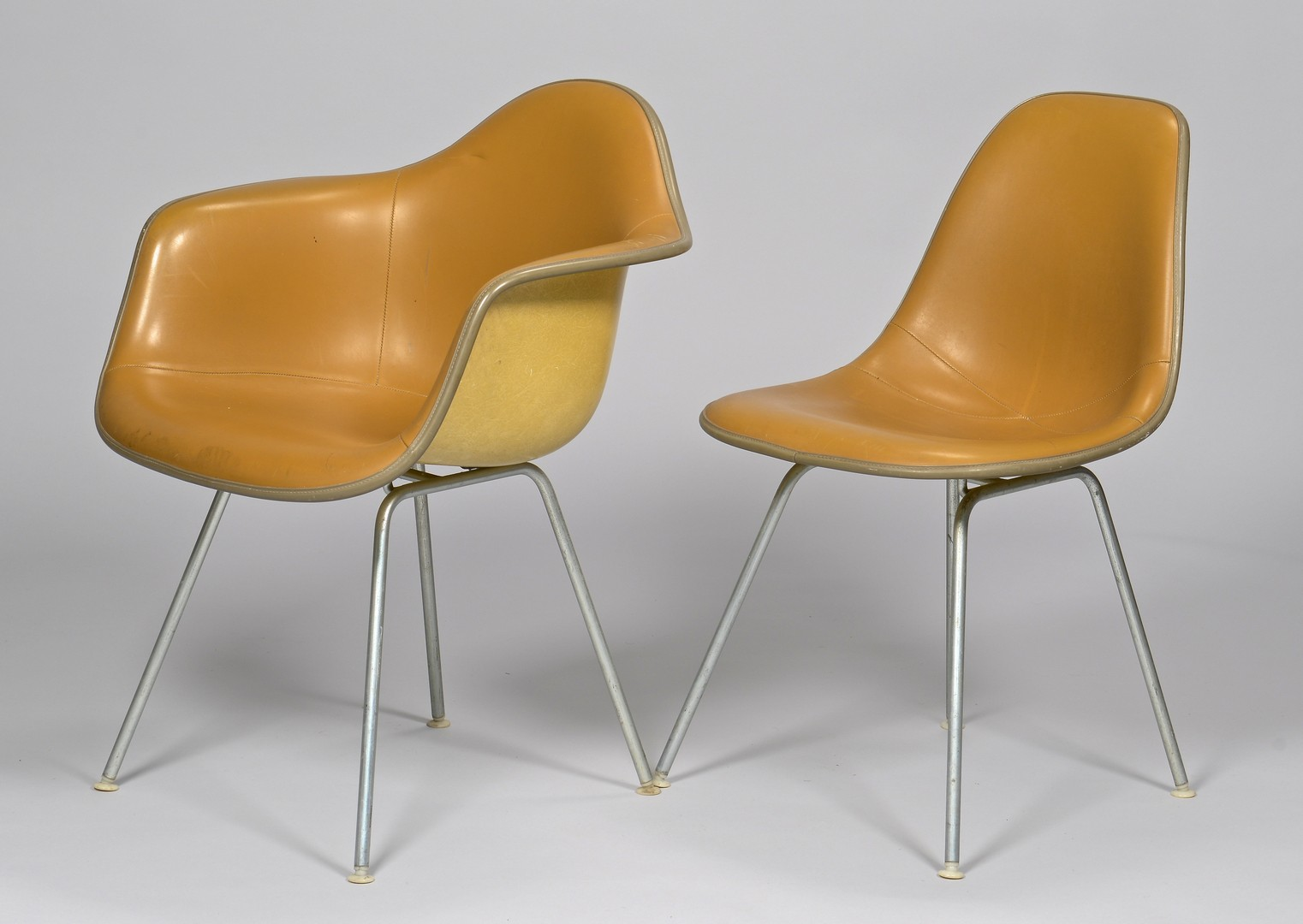 Lot 451: 4 Eames for Herman Miller chairs