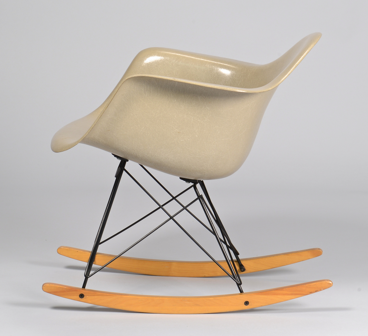 Lot 452 3 eames for herman miller chairs including rocker - Herman miller bucket chair ...