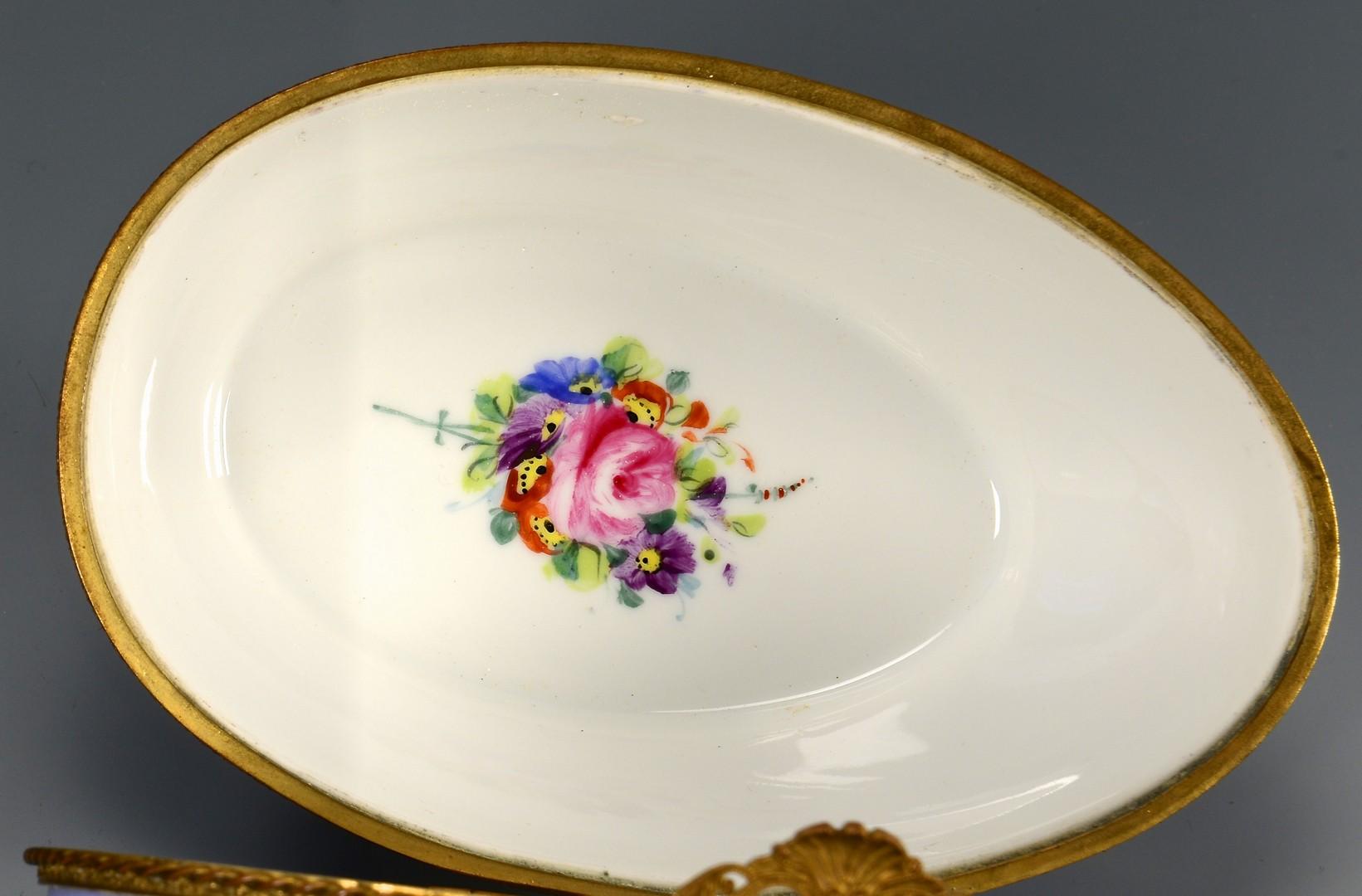 Lot 487: French Porcelain Egg