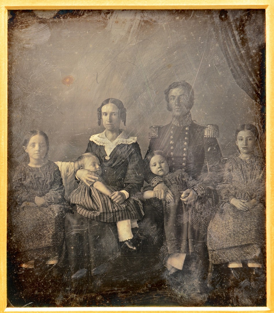 Lot 503: 3/4 Plate Dag of Officer and Family, c. 1845