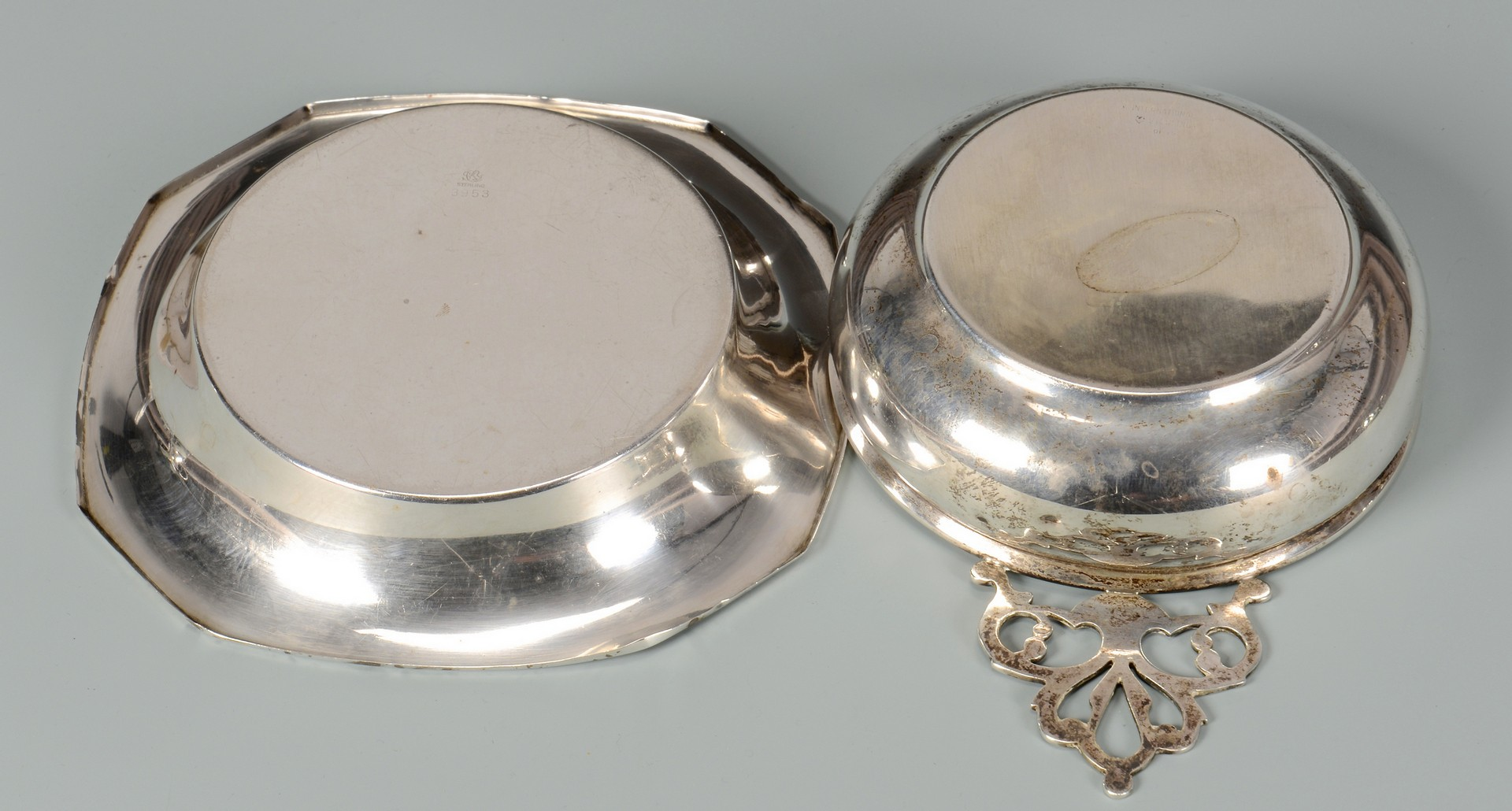 Lot 582: 6 pcs sterling holloware