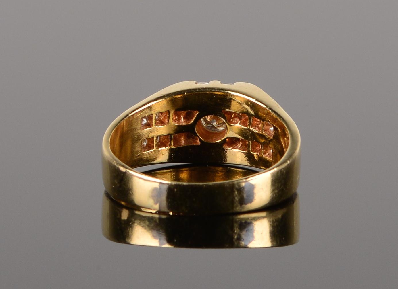 Lot 588: 14k Diamond Gents Ring